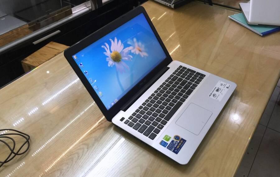 Asus K555LD-XX363D i5 4210U RAM 4GB HDD 500GB NVIDIA GeForce 820M
